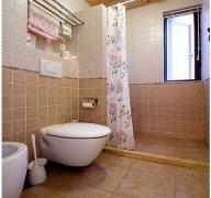 怎么化解厕所门对着卧室门风水