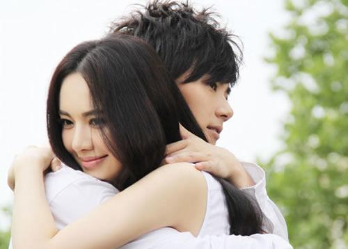 痣相看婚姻爱情_哪里长痣和婚姻有关_哪里长痣和爱情有关