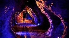 梦见走下黑暗的洞穴周公解梦,梦见走下黑暗的洞穴是什么意思?