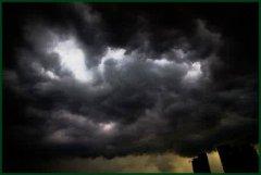 梦见乌云 黑云周公解梦,梦见乌云 黑云是什么意思?